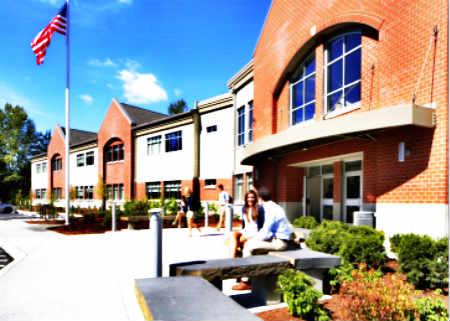 The Bear Creek School 贝尔溪学校