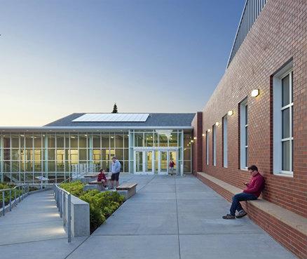 lakeside school1.jpg