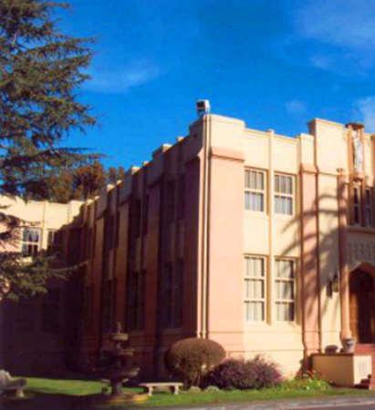 Notre Dame High School