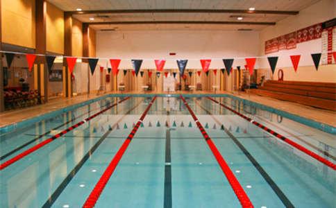 伯克利学校游泳馆
