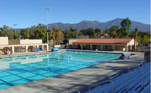 圣玛格丽特天主教高中室外泳池.jpg