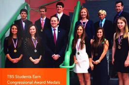 本杰明每年多名学生荣获美国国会青年奖.jpg
