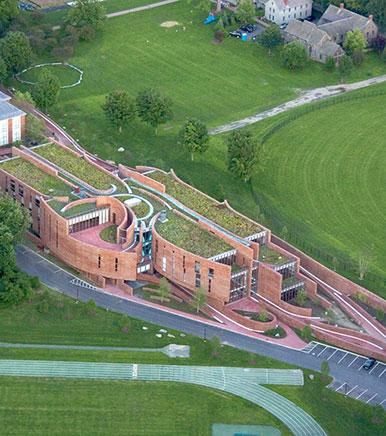 Boston College High School 迪尔菲尔德学院.jpg