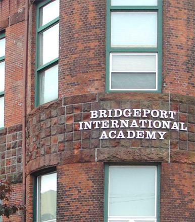 布里奇波特国际高中.jpg