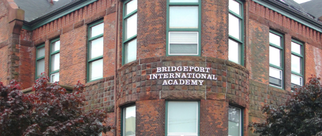 布里奇波特国际高中